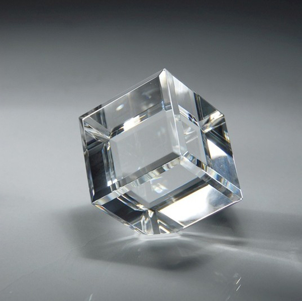 Optical Crystal Beveled Diamond Cube, K9 Crystal Cube With Cutting Angle, Optical Glass Cube Cutting A Corner