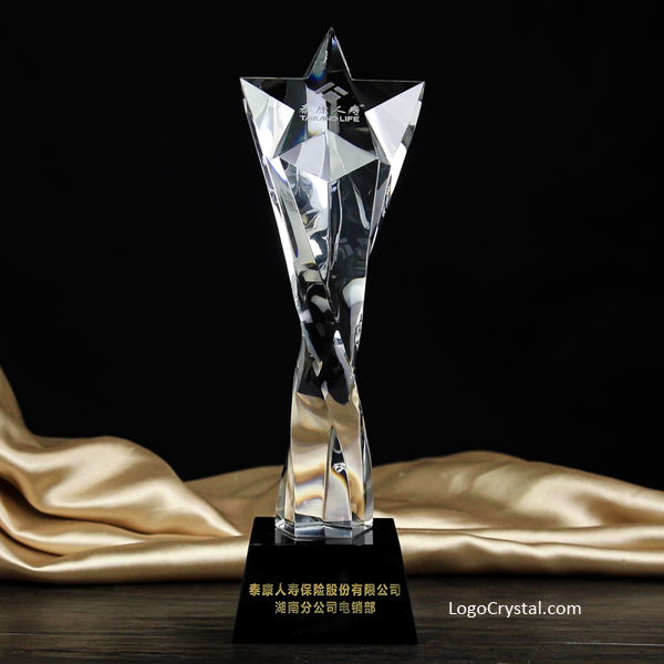 Custom crystal trophy Five-pointed star custom crystal trophy Twisted column pentagram trophy Twist the column title