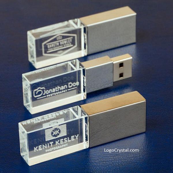 El estilo del cristal de la unidad de memoria USB del logotipo de la luz led 3D, esta impresión personalizada llevó la memoria USB con un efecto 3D abrumador del logotipo de la empresa, la imagen del producto de la empresa o el retrato del evento.