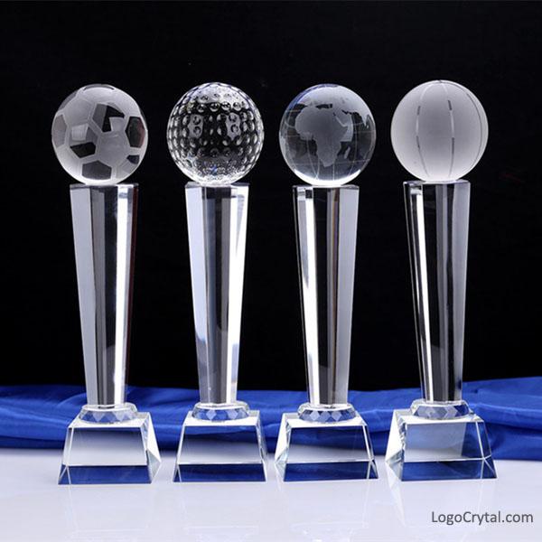Premio di cristallo di calcio con varie dimensioni e disegni, premi di calcio, premi sportivi, ecc
