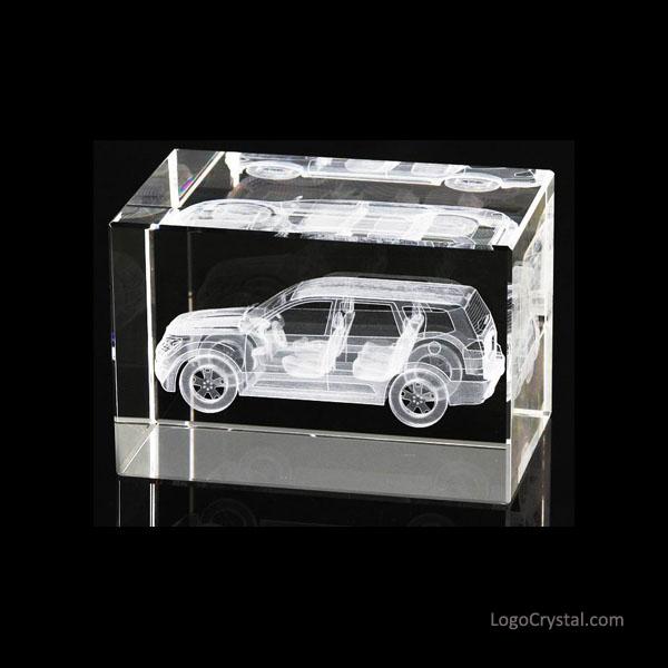 Cubo de cristal gravado laser 3D com projeto do modelo do carro